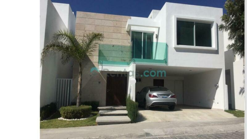 Preciosa casa en fraccionamiento Puebla Blanca