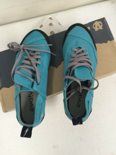 Women/'s Turquoise Size 8 NEW Outdoor Casual Performance Evolv Cruzer Shoe