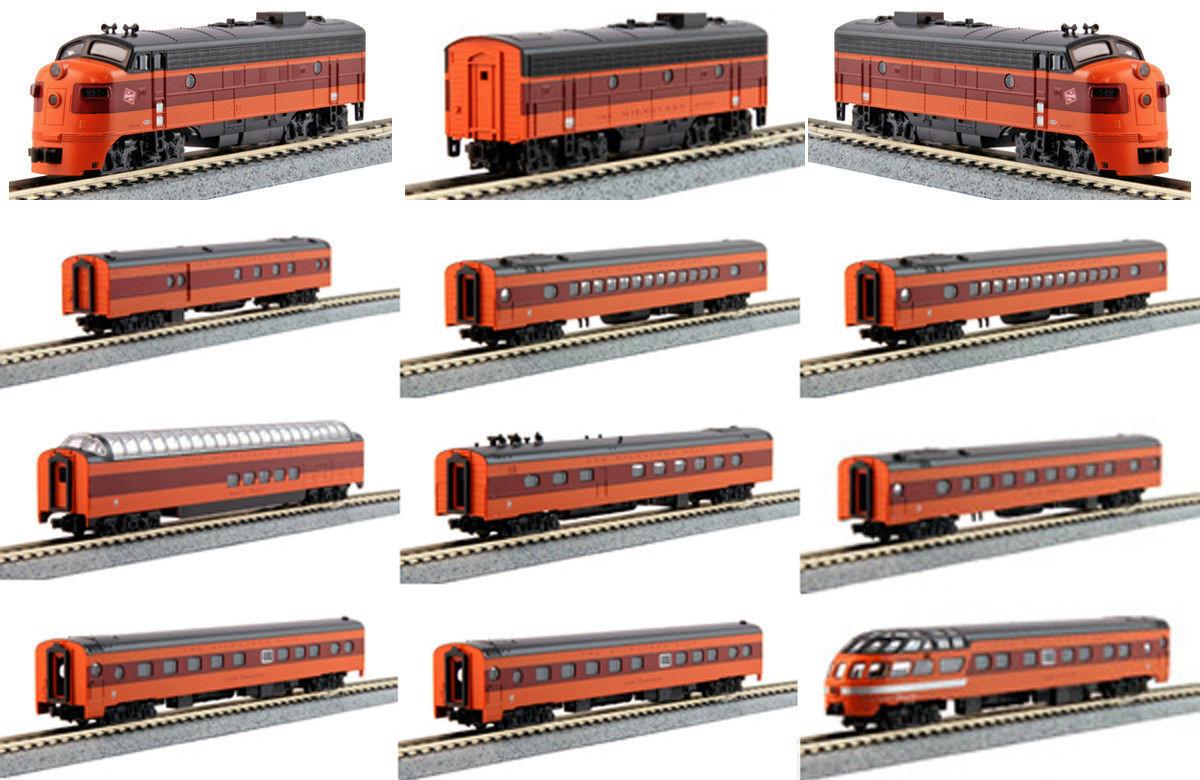 KATO 106-082 + 176-2301+1060430 N MILWAUKEE  Hiawatha 3 Locos  95A/B/A & 9 Cars