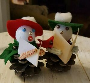 Vintage-handcrafted-set-2-pinecone-figures-snowman-carolers-Christmas-Holiday-OR