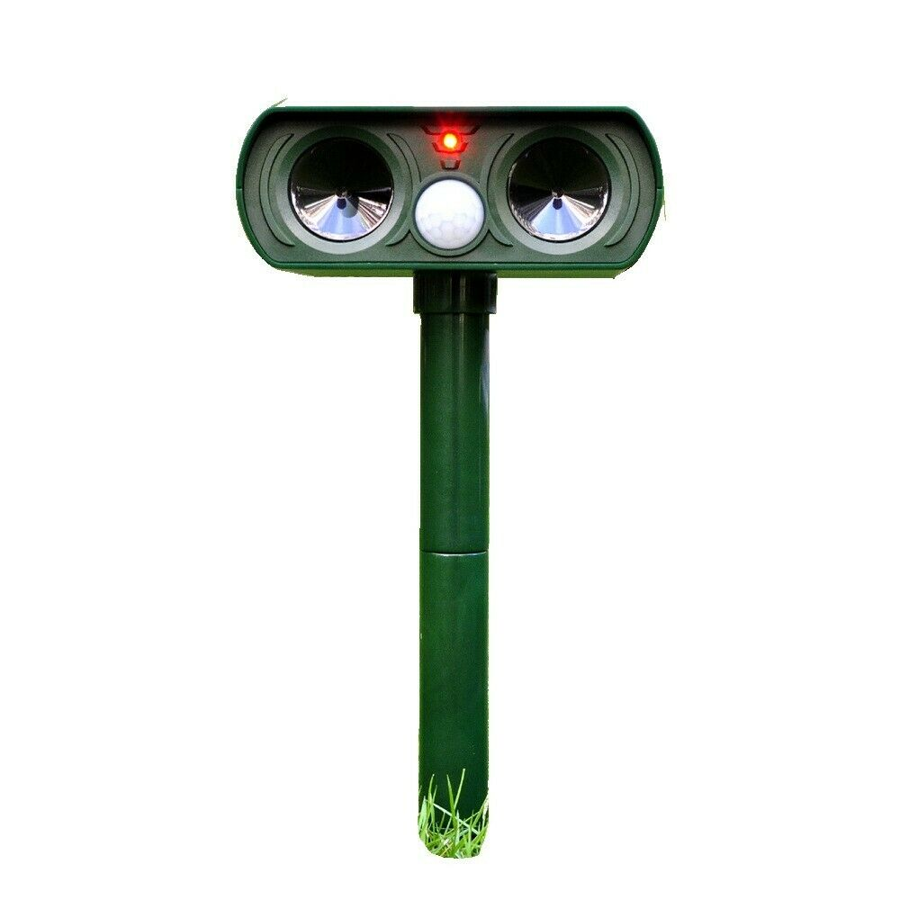 Solar-Powered Animal Repeller Ultrasonic-Wave Dog Cat Rechargeable Repellent for