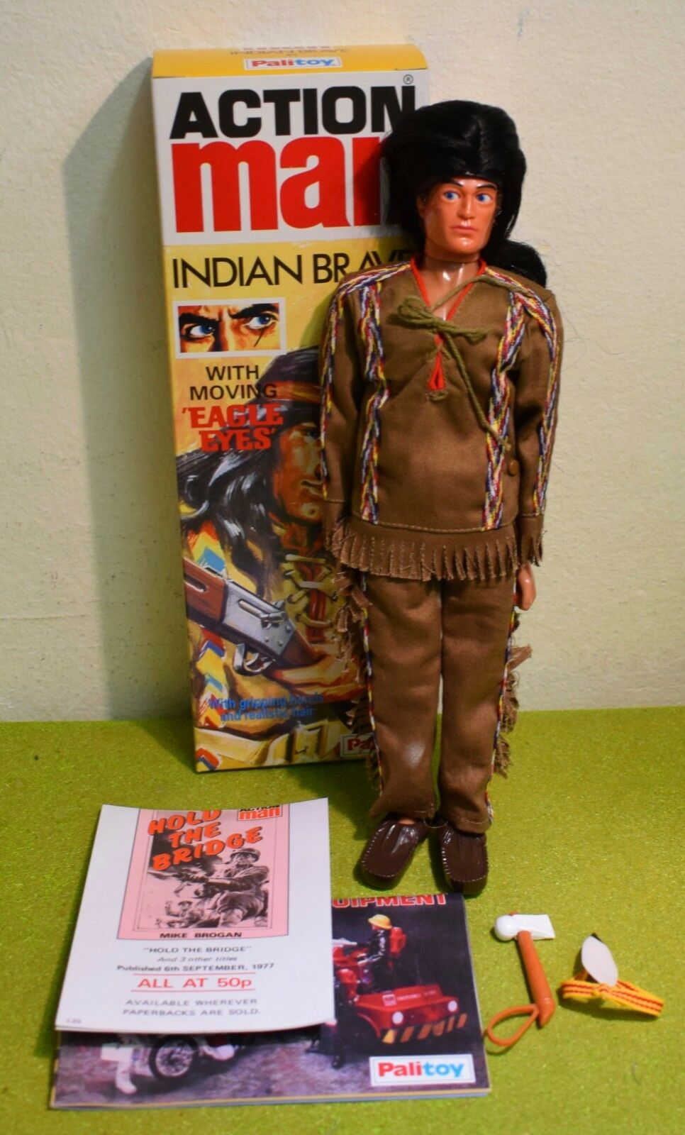 VINTAGE ACTION MAN 40th BOXED INDIAN braun HAIR EAGLE EYE GRIPPING HANDS