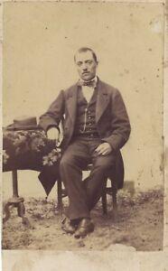 L Uomo A Cappello Nel Un Interno CDV Vintage Albumina Ca 1865