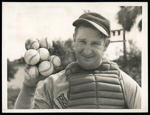 Ernie-Lombardi-1939-Cincinatti-Reds-HOF-Catcher-Type-1-Original-Photo
