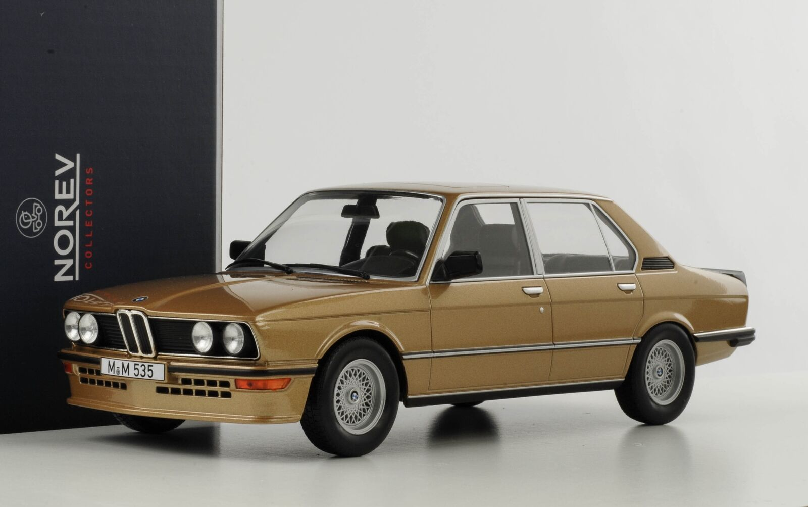 1980 BMW 535i M535i E12 golden Metallic 1 18 Norev 183268