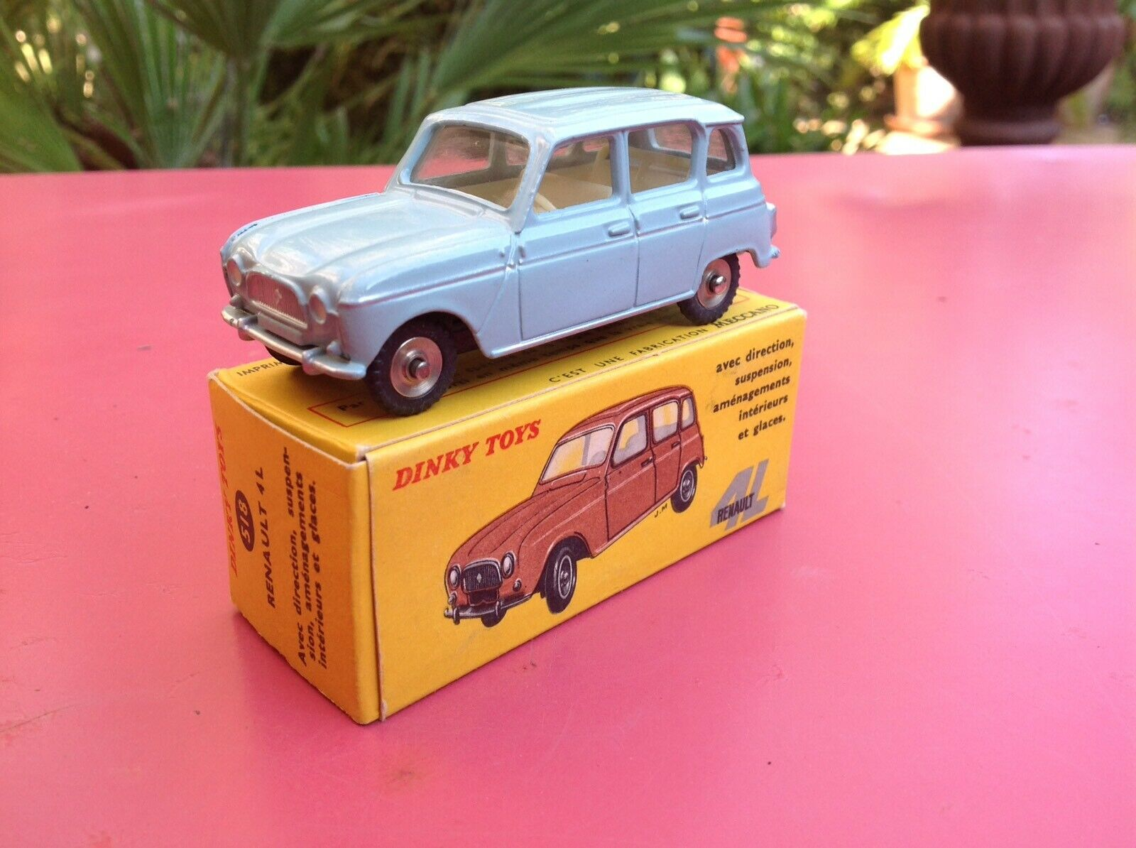 Dinky 518 Renault 4L rare premier moule sans lettre very near Mint in box