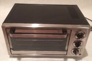 Oster-6-Slice-Convection-Countertop-Oven-TSSTTVF815