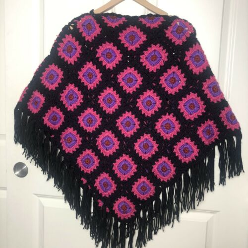 Vintage Hand Crochet Knit Granny Square Poncho Col