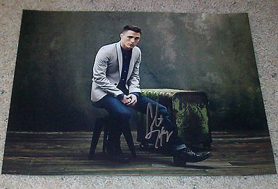 Television Colton Haynes Signed Autograph Arrow Arsenal 11x14 Photo C W/exact Video Proof New Varieties Are Introduced One After Another Autographs-original