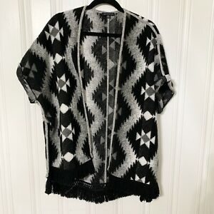 American-Eagle-Outfitters-Size-M-Women-039-s-Black-Gray-Southwestern-Aztec-Cardigan