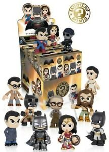 Funko-Mystery-Minis-Batman-Vs-Superman-Figures-by-the-Unit-You-Choose