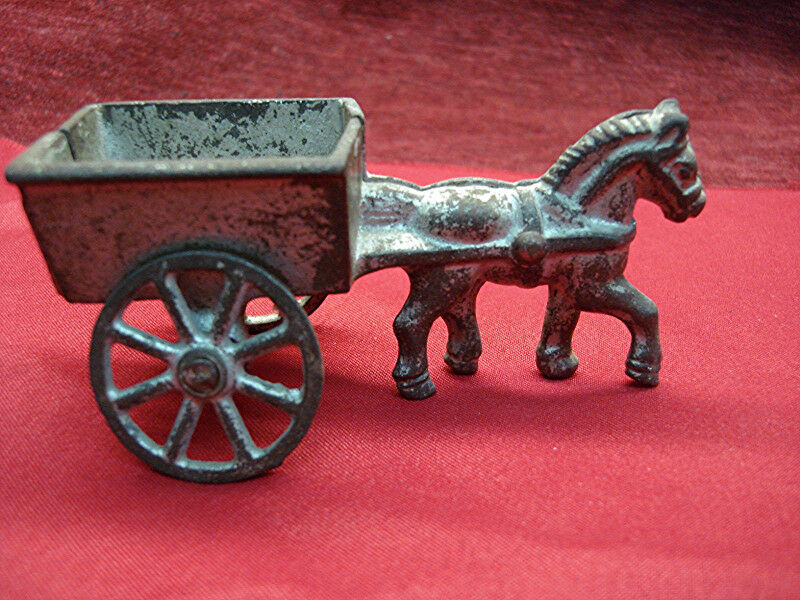VINTAGE CAST IRON HORSE & CART - VERY NICE OLDTIME PIECE