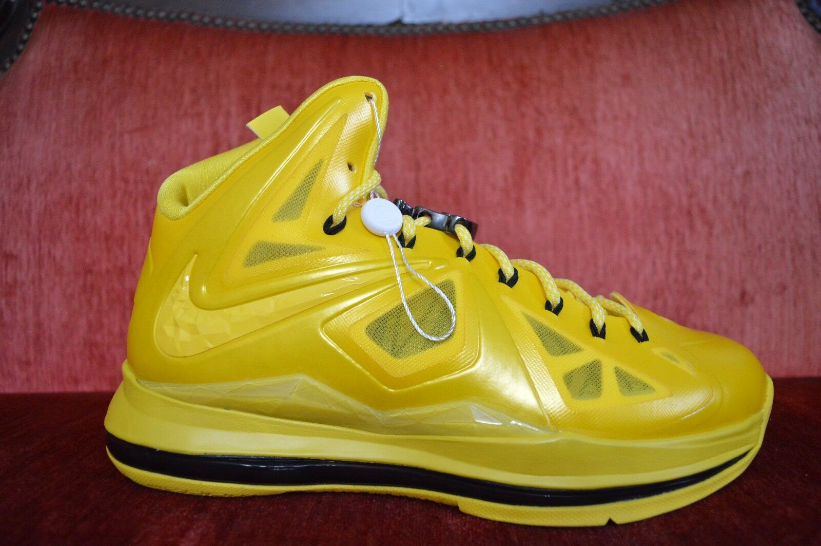 NEW Nike Lebron X 10 Must Be The Honey Size 10 Honeywell PE Sample Nelly Bee