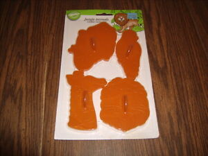 Vintage wilton jungle animals cookie cutters elephant for Classic jungle house for small animals