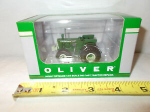Oliver-1950-El-Toro-Toy-Tractor-Times-Anniversary-By-SpecCast-1-64th-Scale