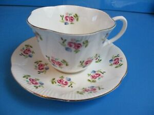 ROYAL-ALBERT-CUP-AND-SAUCER-SMALL-PINK-FLOWERS-EXCELLENT-CONDITION