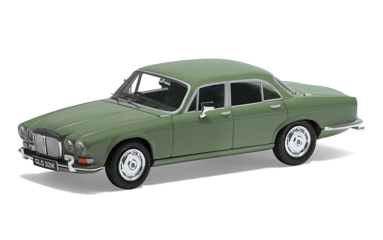 Corgi VA08805 Daimler Sovereign (Series 1) 4.2, Willow Green Ltd Ed 0003 of 1000