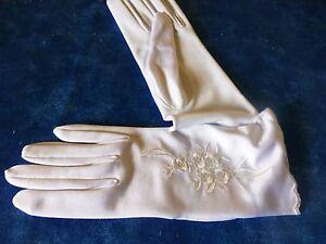 neufs -jolis gants blancs -surbrodés -T MOYENNE -SOIRéE -MARIAGE -élégance OyG96nmC-09105515-362608144