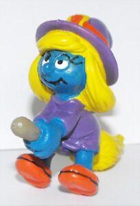 Smurfette-Witch-with-Broom-2-inch-Plastic-Figurine-20198-Smurf
