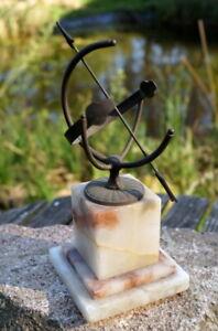 Antique-Horloge-Solaire-Sur-Base-en-Marbre-Fer-1920-Fait-a-la-Main-20-CM