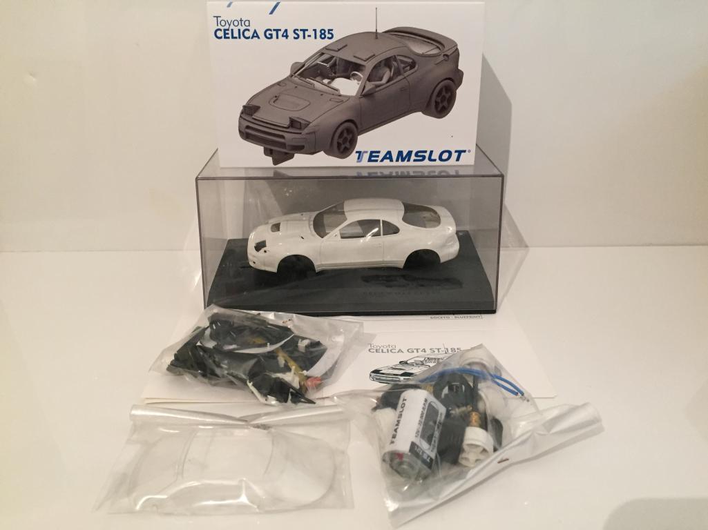TEAM SLOT KIT002 Toyota Celica GT4 ST - 186 COMPLETO BIANCO KIT NUOVO 1 3 2