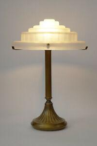 Einzelstück original Art Deco Messinglampe Berliner Tischlampe Skyscraper 1920