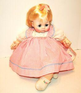 Madame-Alexander-Vintage-1965-PUSSYCAT-22-034-new-crier-pretty-pink-dress