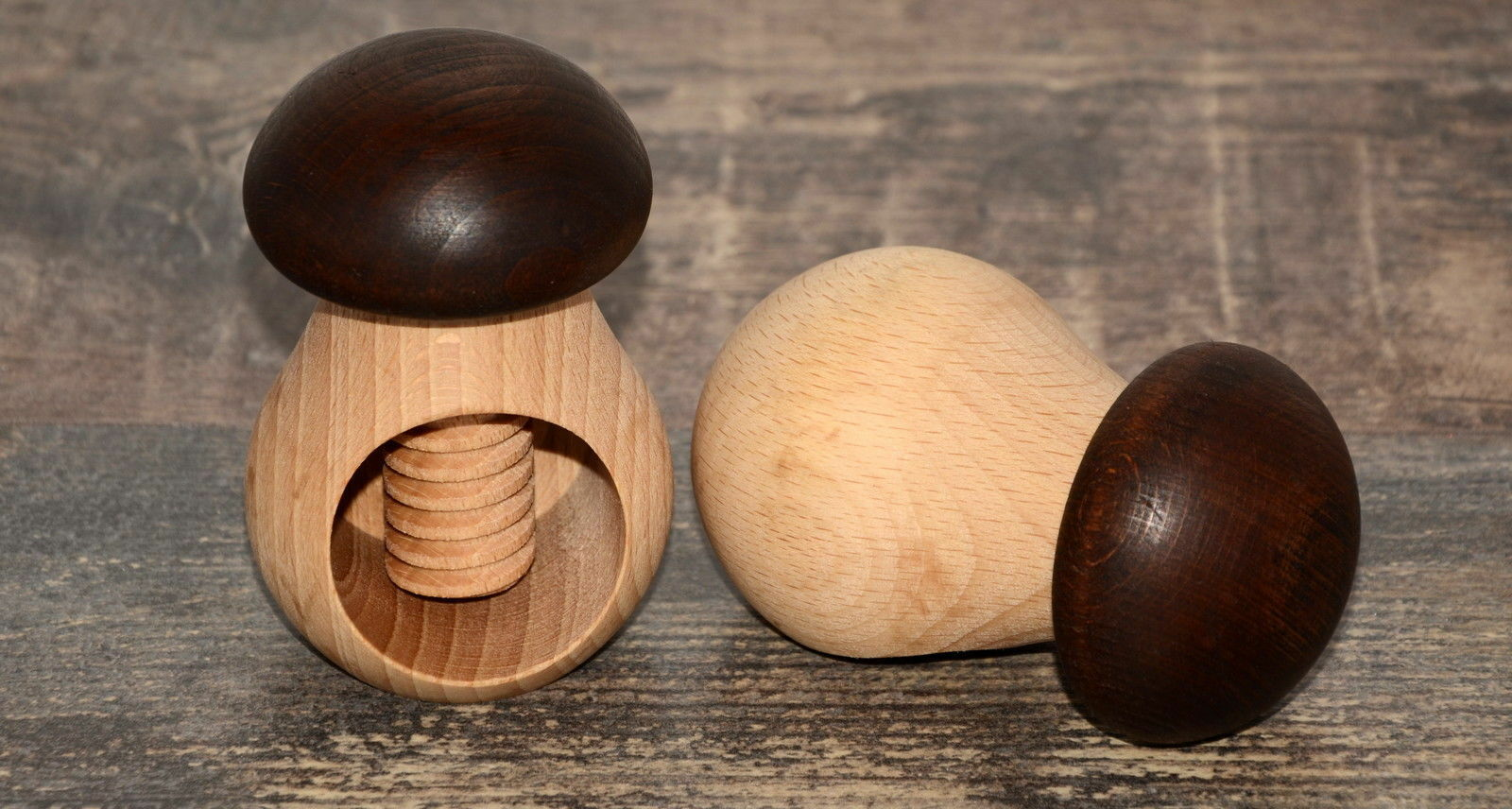 Nussknacker Pilz schön aus Holz Nussbrecher Pilzform Steinpilz Nussschraube
