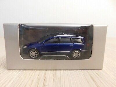 Norev 3 inch 1:64 Modellauto Volkswagen VW Passat Variant blau