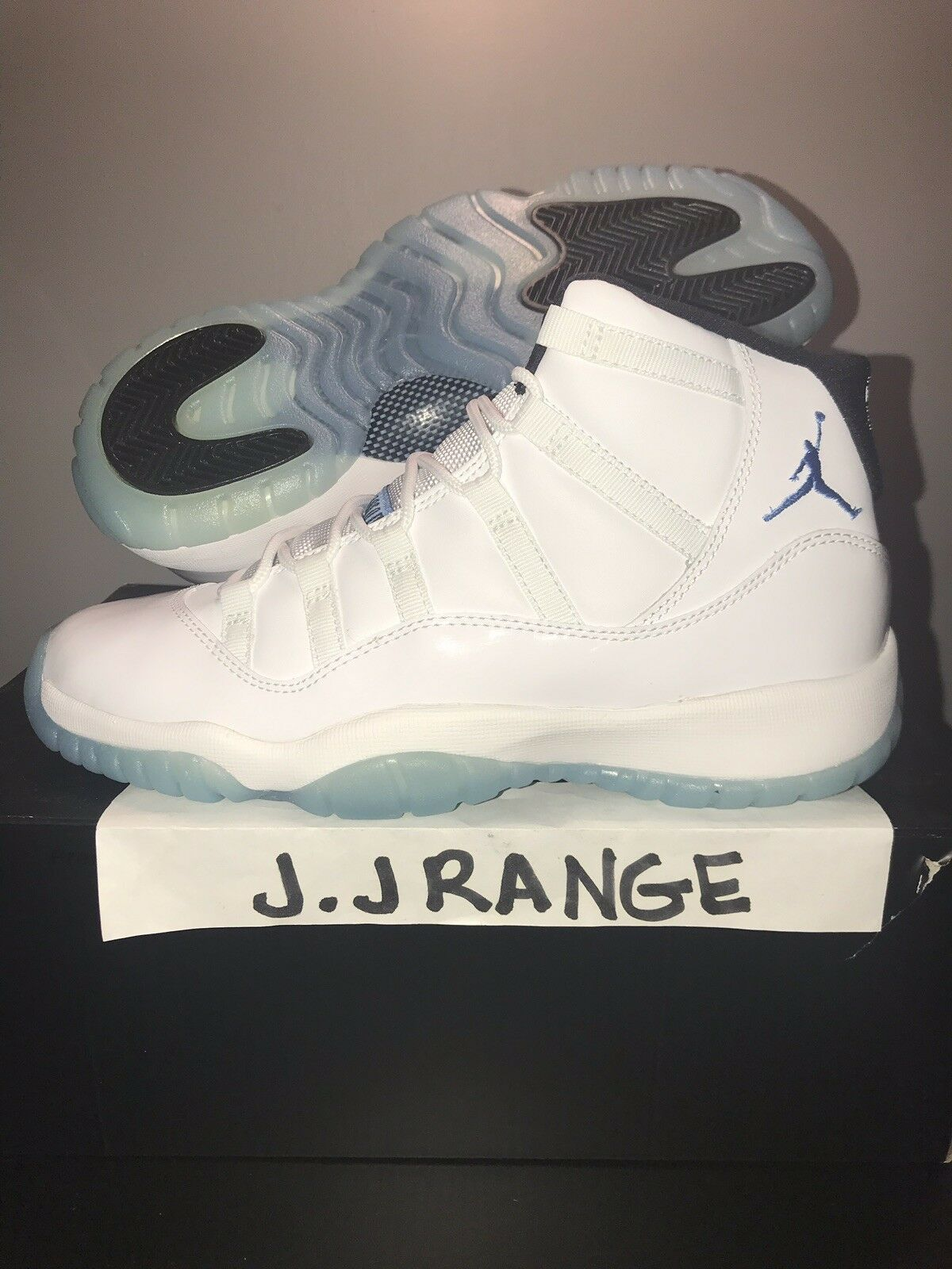 Nike Air Jordan XI 11 Retro BG WHITE LEGEND COLUMBIA blueE SIZE 6.5  378038-117