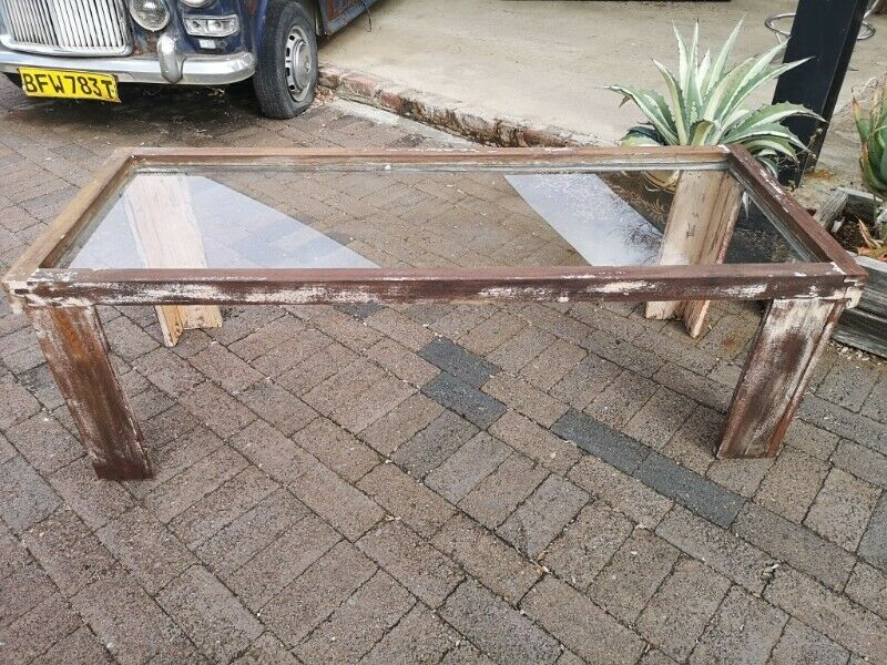 Coffee Table - distressed look  glass top (length 149 cm, width 58.5 cm, height 50 cm) J 4643