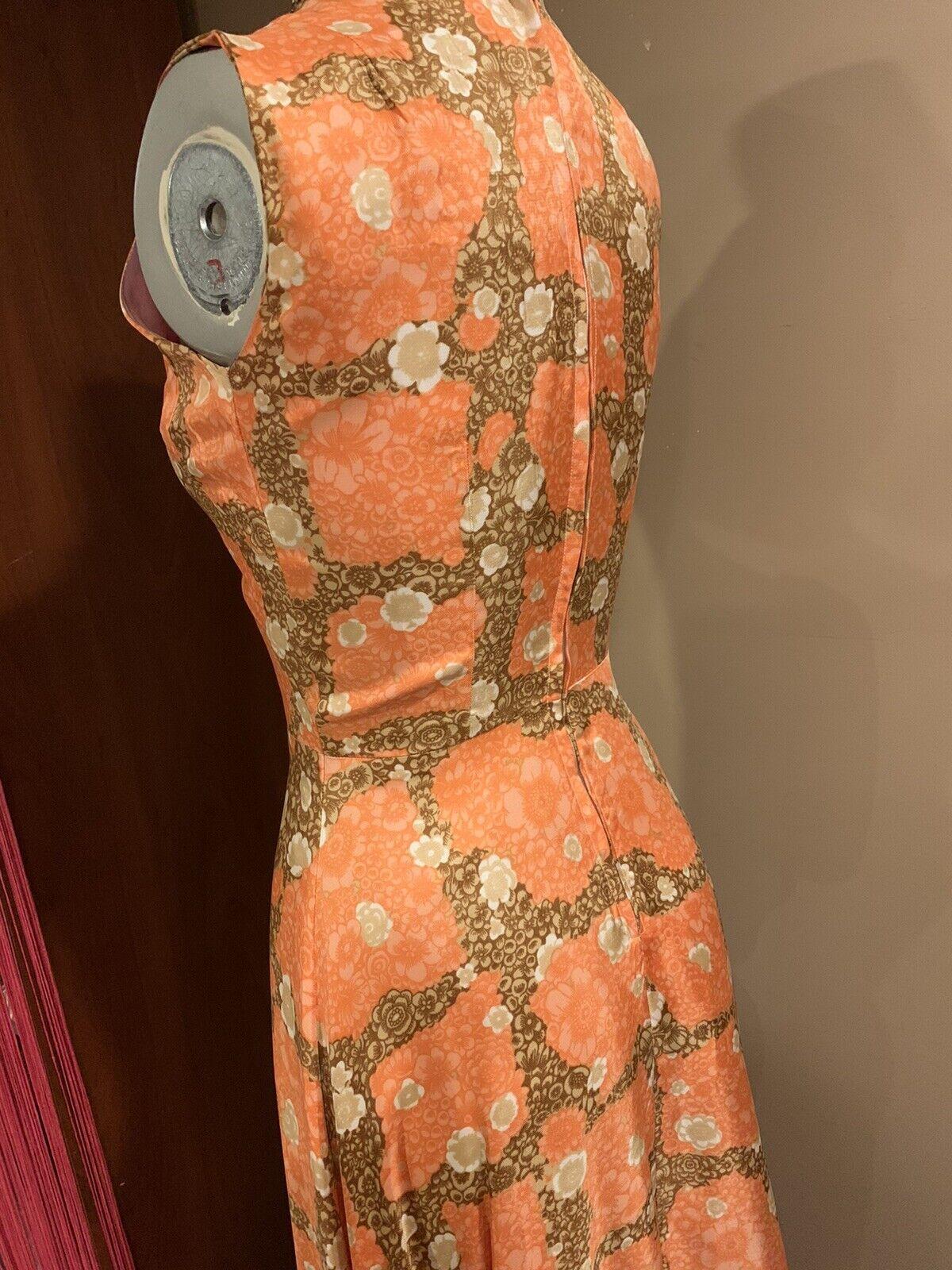 Elegant 1940's Fabulous Dress - image 7