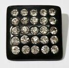 Bijou Vintage broche carré fond noir incrusté de cristaux diamant 3523
