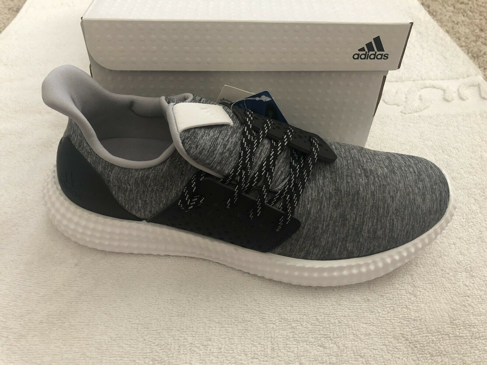 New In Box Adidas 24 7 Trainer Running shoes NIB SZ8.5 Sz 8.5 S80982