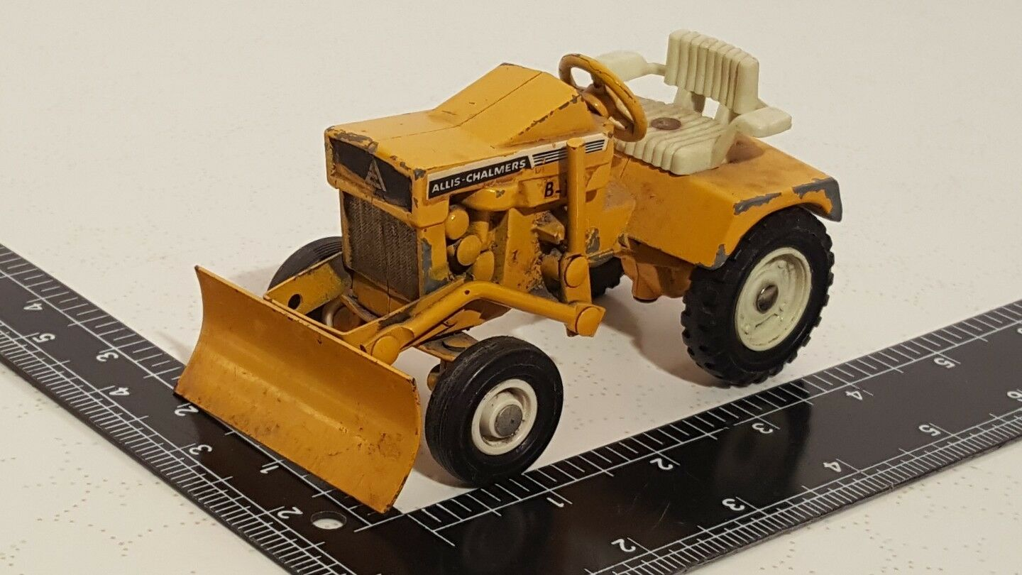 Ertl Allis Chalmers B-112 1 16 diecast lawn & garden tractor replica collectible