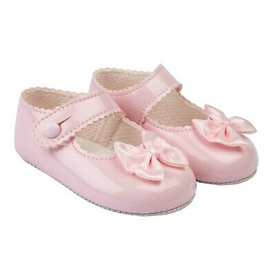 BABY SHOES BAYPODS GIRLS PRAM SHOES WITH LARGE SATIN BOW MADE IN UK