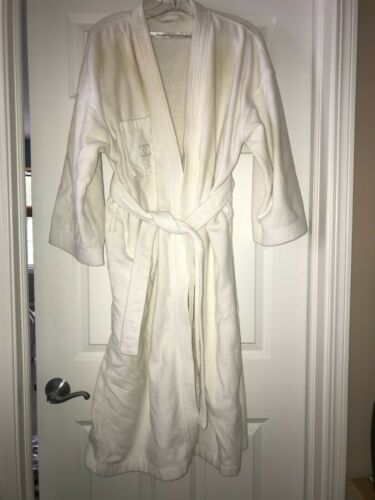 Vintage white Chanel terrycloth wrap bathrobe - lo
