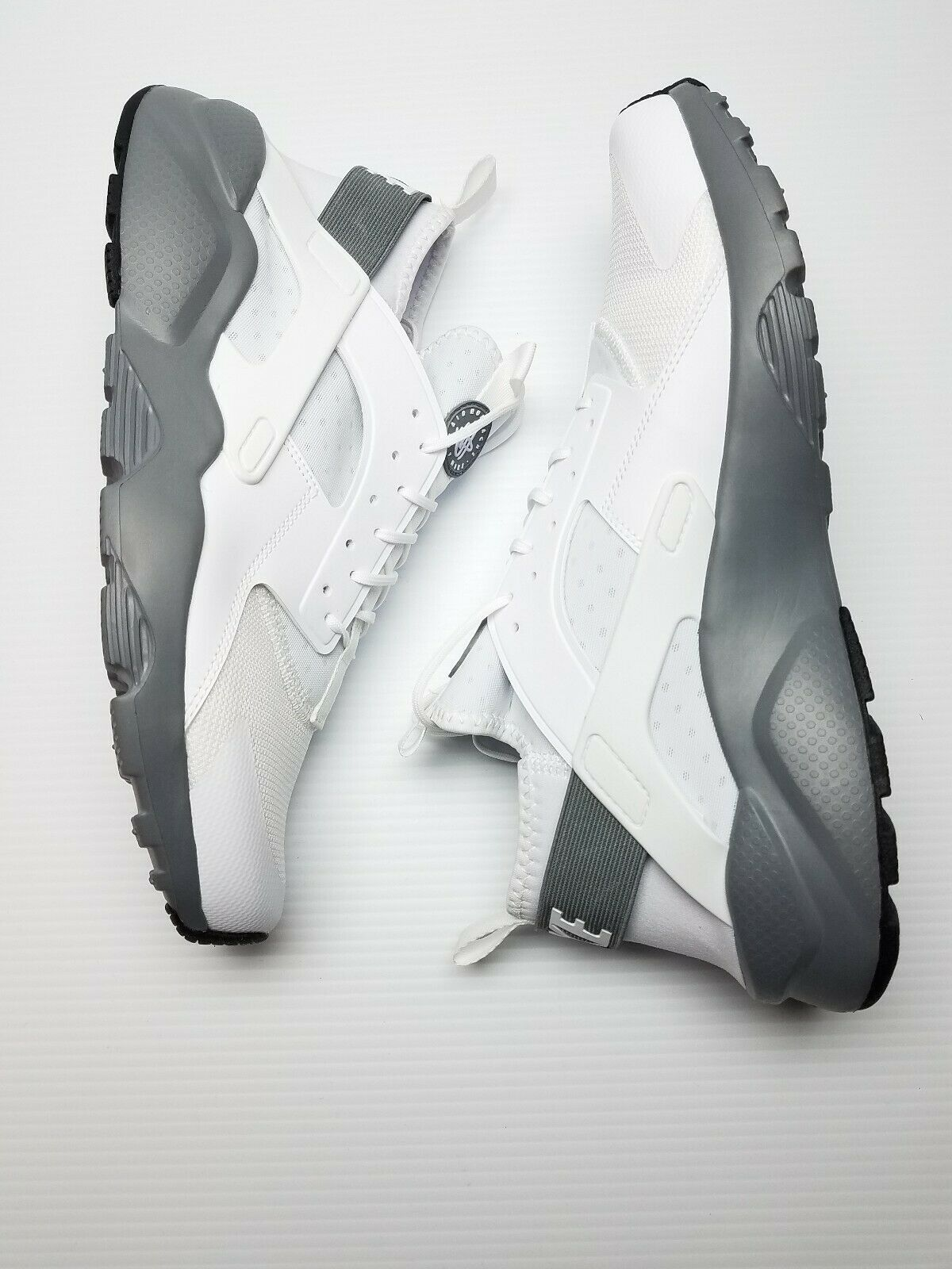 NIKE HUARACHE RUN ULTRA  (WHITE COOL GREY) MEN SZ 12  RUNNING NEW 819685 103