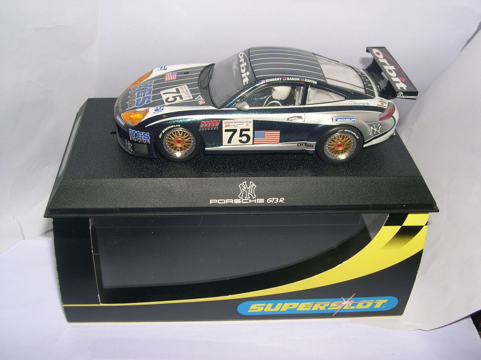 SUPERSLOT H2480 PORSCHE 911 GT3R N AND YANKEES SCALEXTRIC UK MB