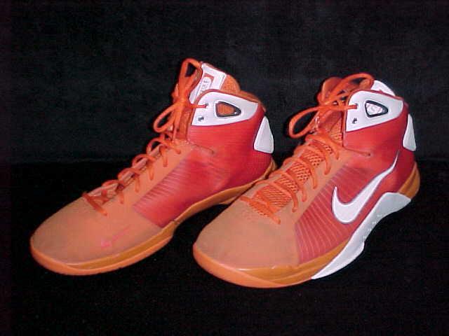 Uomo nike elite scarpe da basket bianco e arancione di dimensioni 18 aria - a3
