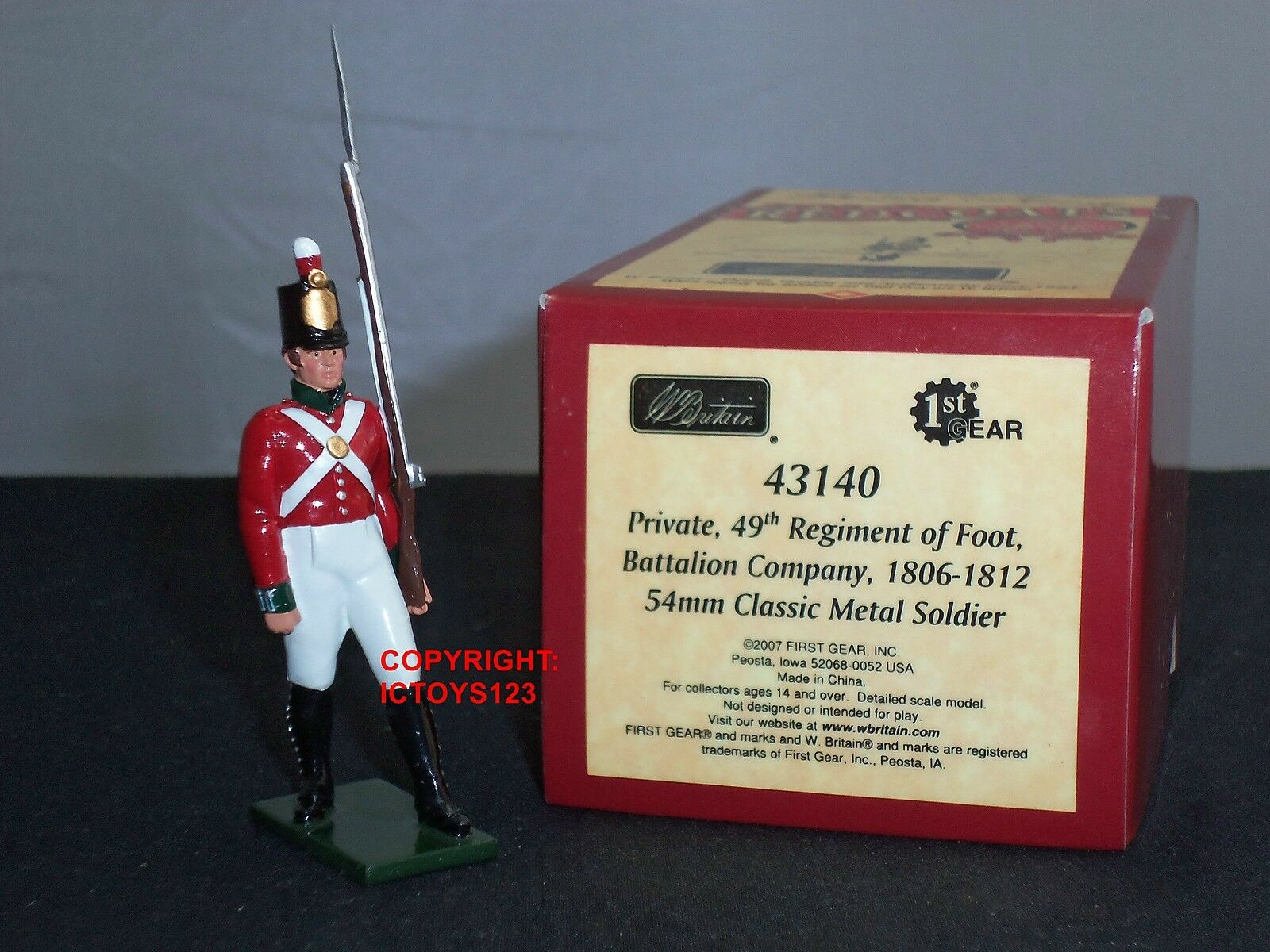 BRITAINS 43140 49TH REGIMENT OF FOOT PRIVATE REDCOATS METAL TOY SOLDIER FIGURE
