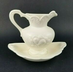Vintage-Camark-Pottery-Wall-Pocket-Pitcher-and-Basin-Ceramic-Planter-White-USA