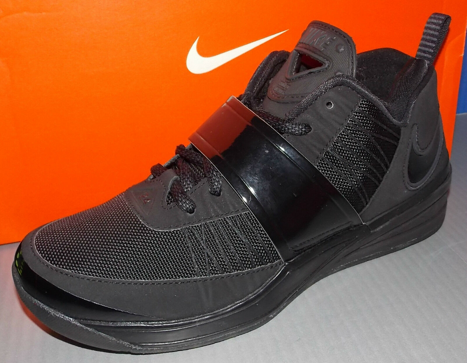 MENS NIKE ZOOM REVIS in colors BLACK   BLACK   ANTHRACITE SIZE 8
