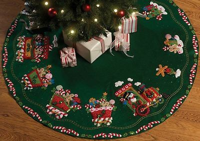 BUCILLA FELT JEWELED CANDY EXPRESS CHRISTMAS TREE SKIRT KIT NEW OPENED