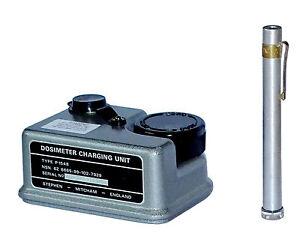 Army-Dosimeter-amp-Charging-Unit-Set-radiological-pen-charger-radiation-dose-meter