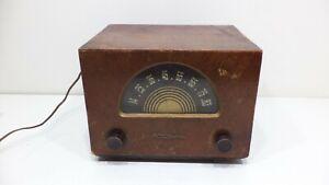 Vtg-RCA-Victor-1930s-Tabletop-UHF-TV-CONVERTER-U70-Wood-Finish-Case-Tube-Radio