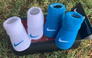 NIKE BABY HAT /& BOOTIES 0-6 MONTHS ROYAL BLUE /& WHITE NEW