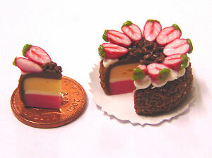 1:12 Scale Sliced Chocolate Cake Dolls House Kitchen Shop Food Accessory SC1