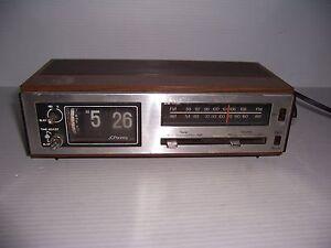 Vintage-Retro-JCPenney-Flip-Clock-Alarm-Clock-AM-FM-Radio-Model-680-3763
