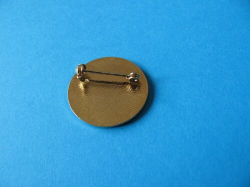 Enamel. Guinness ST JAMES GATE Bowling Club lapel badge